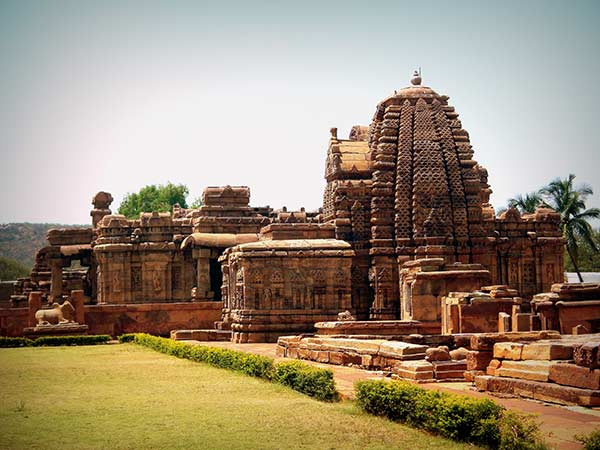Things to do in Badami - Visit the stone cut temples of Pattadakal