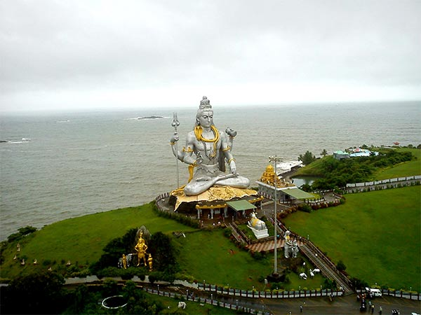 Murudeshwar - One of the many things to do in Gokarna