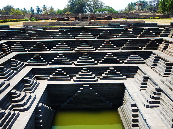 Things to do in Hampi includes a visit to the Royal Centre