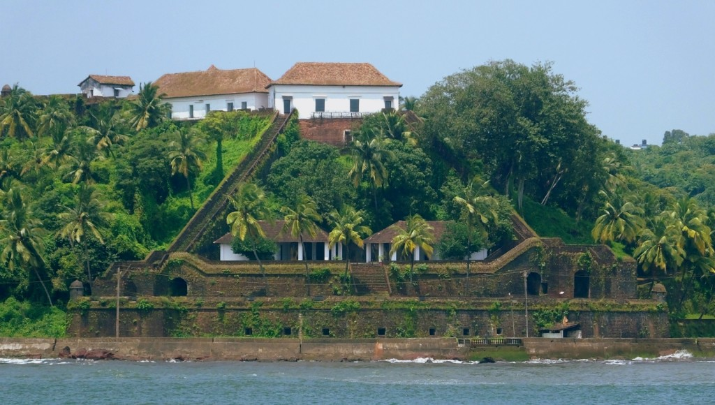 Visit to one of the forts - guide to Goa recommends