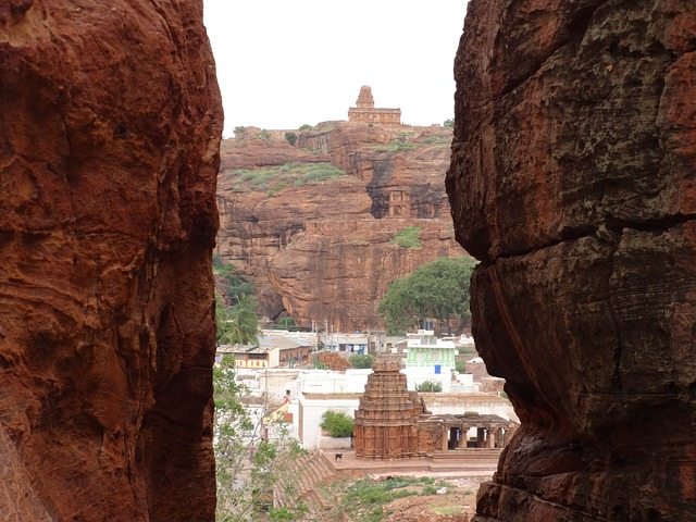 Hampi guide and nearby has to include Badami, Pattadakal and Aihole