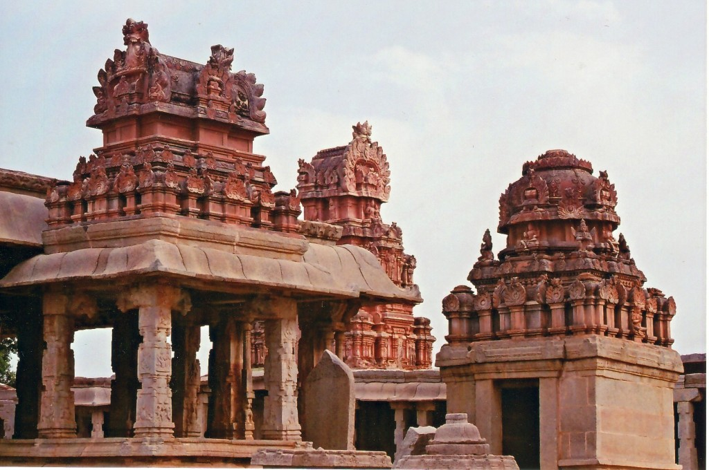 Krishna temple has a legend - must include in the Hampi guide