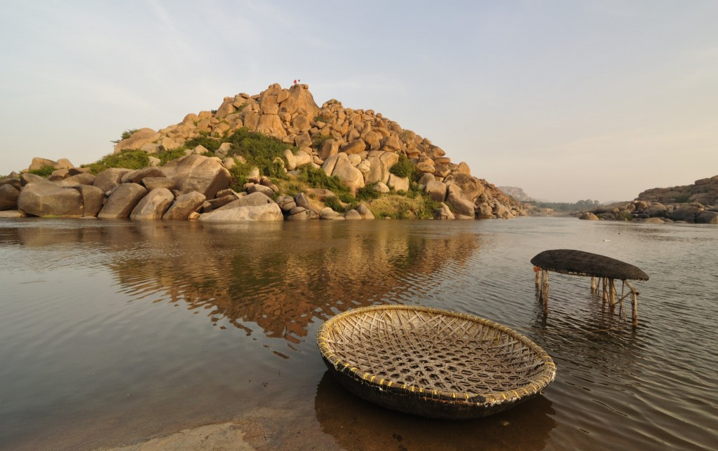Two_Coracles_and_Tungabhadra_River