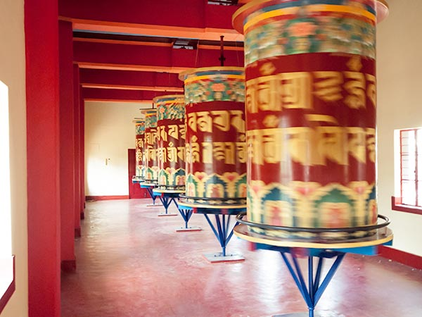 Things to do in Coorg: Visit the Tibetan temple in Bylakuppe