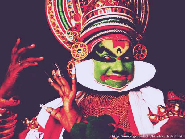 Enjoy a Kathakali performance on the Cochin city tour